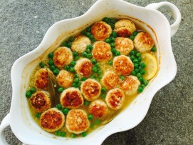 bbq chicken dumplings with quinoa & peas