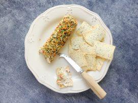 crunchy-smoked-salmon-cream-cheese-log